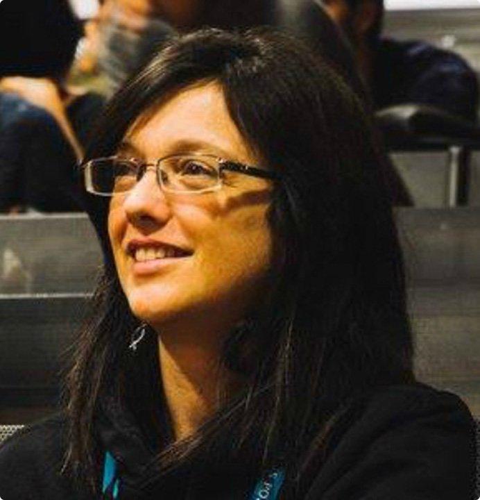 headshot of Simona